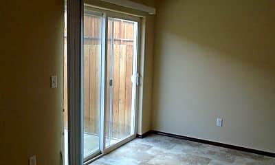 Living Room, 4400 Maple Ave, 2