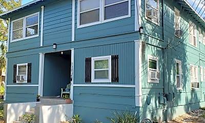 Building, 1203 N Osceola Ave, 2