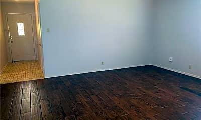 Living Room, 7536 Meadowlark Ln N, 1