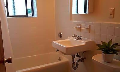 Bathroom, 9 Chester St, 2