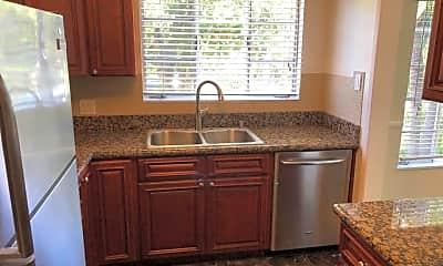 Kitchen, 1321 N Laurel Ave, 1