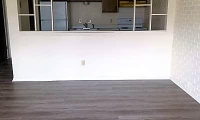 Living Room, 7810 Blondo St, 1