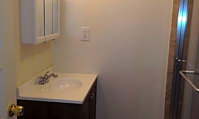Bathroom, 725 Washington Ave, 1