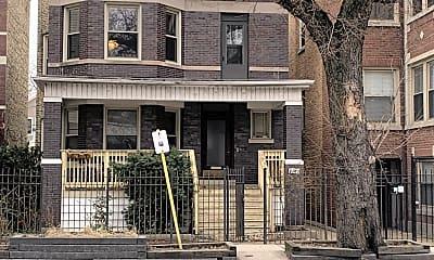 Building, 5747 N Ridge Ave, 2