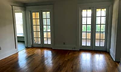 Living Room, 29 S Main St, 0