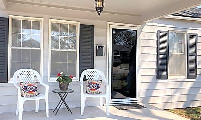 Patio / Deck, 3612 N Westmont St, 1
