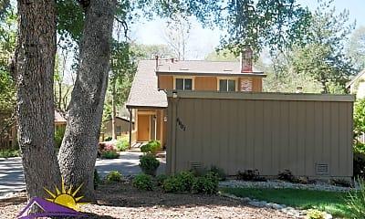 Building, 6601 Crosswoods Cir, 1