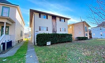 Building, 35 E Norwich Ave, 1