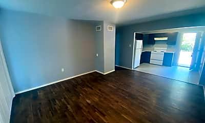 Living Room, 115 N Albert Pike Ave, 1