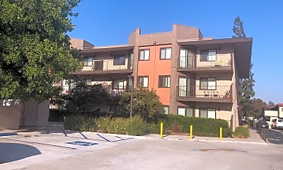 Royal Vista Terrace, 2