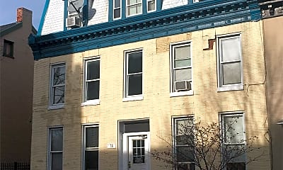 Building, 38 E Franklin St, 2