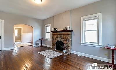 Living Room, 226 Altgeld St, 1