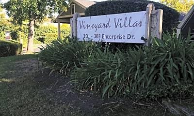 Vineyard Villas, 1