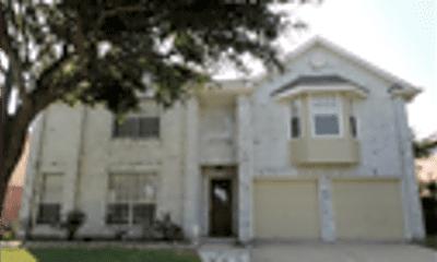 Building, 622 Oak Hill Drive, 1