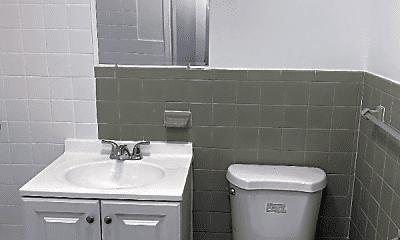 Bathroom, 107 Vine St, 2