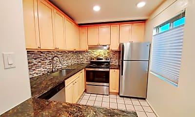 Kitchen, 606 S Humboldt St, 1