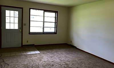 Living Room, 2700 Quail Dr, 0