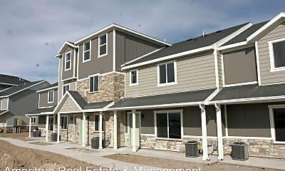 Building, 221 N 680 E, 0