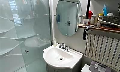 Bathroom, 88 Main St 3, 2