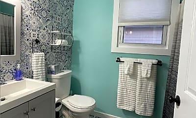 Bathroom, 22 N Austin Ave, 2