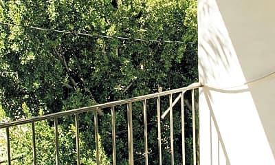Patio / Deck, 625 N Flores St, 2