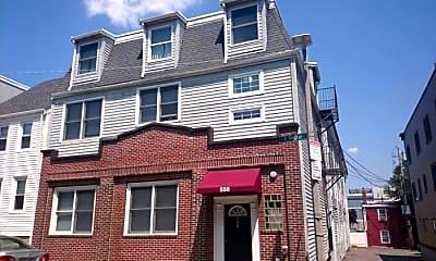Building, 550 E 3rd St, 2