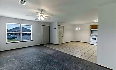 Living Room, 417 E Southern Trace Dr, 1