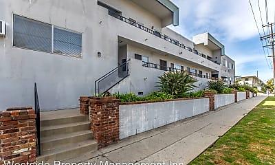 Building, 963 S Barrington Ave, 2