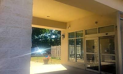 Hugh Taylor Apartments, 2