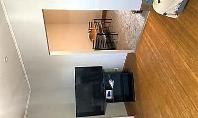 Living Room, 729 1/2 Oak St, 2