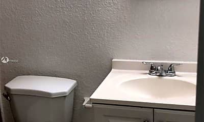 Bathroom, 2731 NW 27th St A, 2