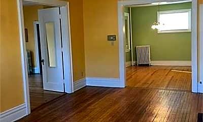 Living Room, 533 Seymour Ave, 2