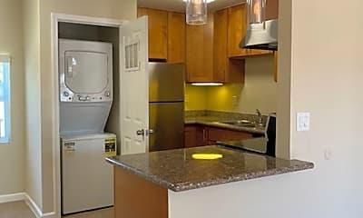 Kitchen, 801 Alvarez Ave, 2
