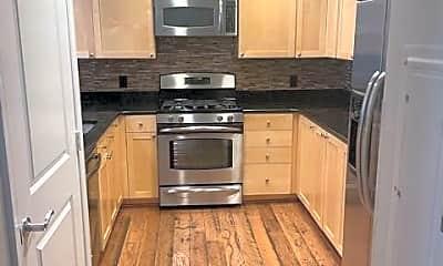 Kitchen, 3600 S Glebe Rd 318W, 1