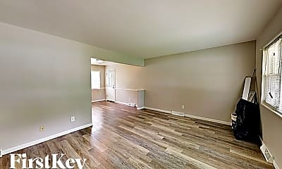 Living Room, 1240 Waterford Dr, 1