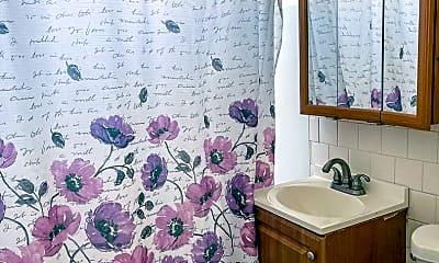 Bathroom, 77 Waltham St, 2