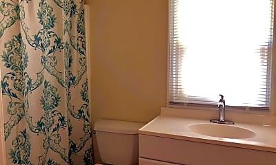 Bathroom, 2727 Oak St 2, 2