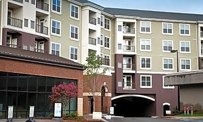 Building, 5610 Glenridge Dr NE Unit #3, 1