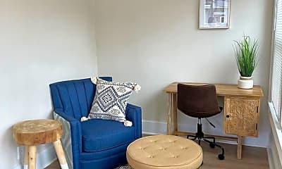 Living Room, 717 Pine St, 0