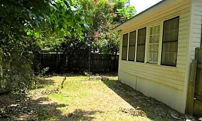 Building, 305 E Texas Ave, 1