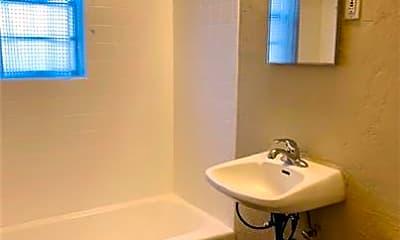 Bathroom, 2733 NW 36th St, 2