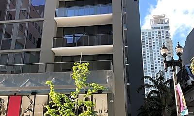 X Miami, 2
