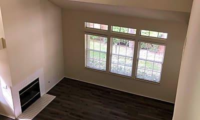 Living Room, 13221 Flemington Ct, 2