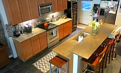Kitchen, 869 N LaSalle Dr, 0