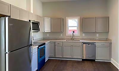 Kitchen, 193 N Rocksprings St, 1