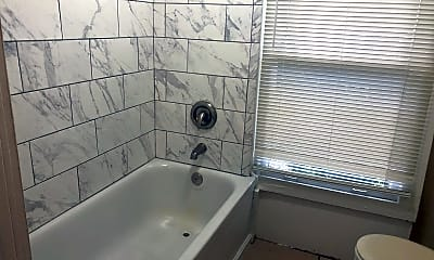 Bathroom, 1940 Felix Ave, 2