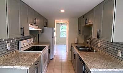Kitchen, 1114 Thomas Jefferson Pl, 1