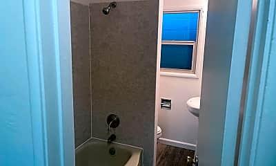 Bathroom, 1905 21st St, 2