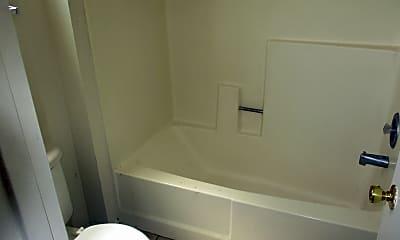 Bathroom, 906 N Revere 202, 2