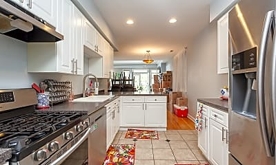 Kitchen, 3835 N Southport Ave #3, 2